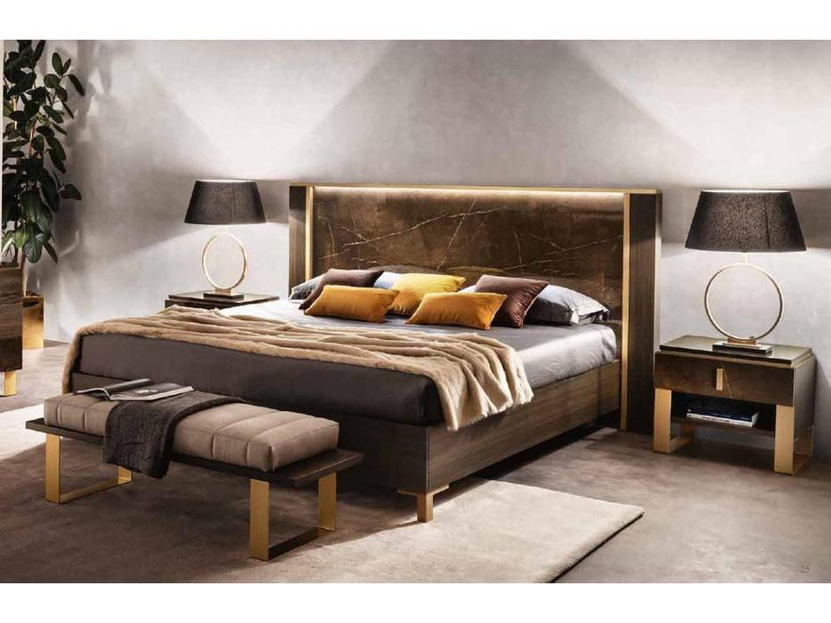 Arredo Classic кровать двуспальная 180х200 (венге, коричневый, золото) Essenza