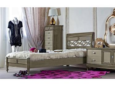 Мебель для спальни фабрики Monte Cristo